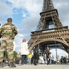 Should I stay or should I go? Attracting tourists in the wake of a terror attack